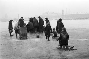 ЛЕНИНГРАД. НА НЕВЕ. 1941 год.