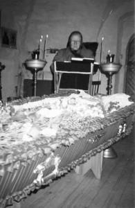 ЧТЕНИЕ ПСАЛТИРИ ПО УСОПШЕЙ В ПОЯРКОВСКОМ ХРАМЕ. 30.03.2002 г.