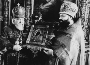 ВЛАДЫКА ПРОКЛ И АРХИМАНДРИТ АДРИАН С ЖАДОВСКОЙ ИКОНОЙ БОЖИЕЙ МАТЕРИ