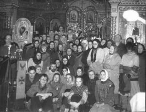 В КАМЕННОМ КОНЦЕ С ОТЦОМ ВАСИЛИЕМ 1980-е гг.