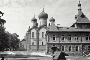 ПЮХТИЦКИЙ МОНАСТЫРЬ. 1967 г.