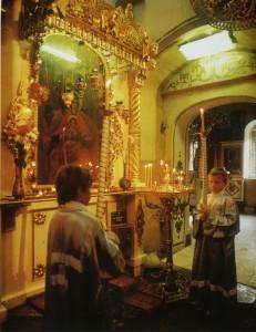 МОСКВА. ХРАМ В ЧЕСТЬ КАЗАНСКОЙ ИКОНЫ БОЖИЕЙ МАТЕРИ В КОЛОМЕНСКОМ. АКАФИСТ ПЕРЕД ДЕРЖАВНОЙ ИКОНОЙ БОЖИЕЙ МАТЕРИ
