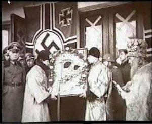 ПСКОВ. ПЕРЕДАЧА ТИХВИНСКОЙ ЧУДОТВОРНОЙ ИКОНЫ ПСКОВСКОЙ ДУХОВНОЙ МИССИИ. 1942 г.