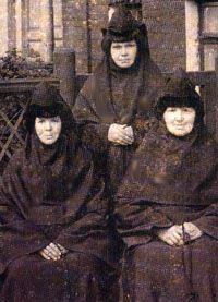 МОНАХИНИ УСПЕНСКОГО КНЯГИНИНА МОНАСТЫРЯ. ФОТО 1911 г.