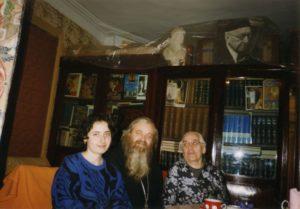 В ГОСТЯХ У А. А. ТАХО-ГОДИ. 1996 г.