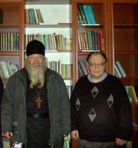 В БИБЛИОТЕКЕ ЯМСКОГО ХРАМА С АЛЕКСАНДРОМ ТРОФИМОВЫМ